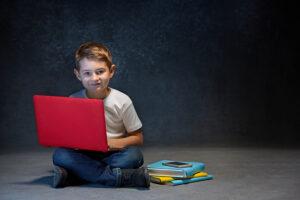 سرگرمی لذت بخش از فواید آموزش برنامه نویسی به کودکان و نوجوانان