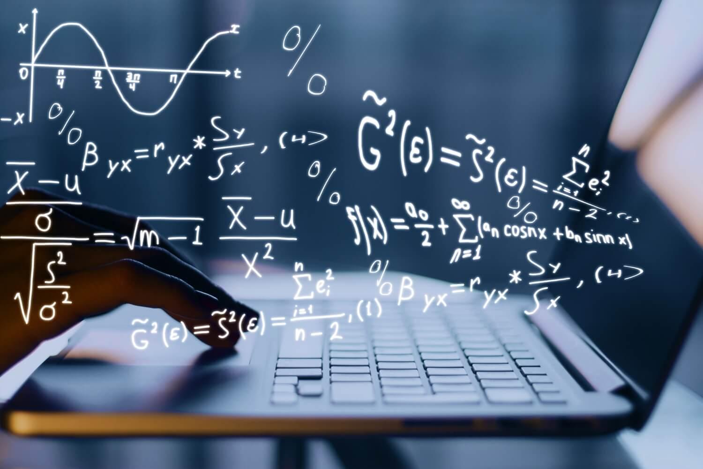 ریاضی در برنامه نویسی