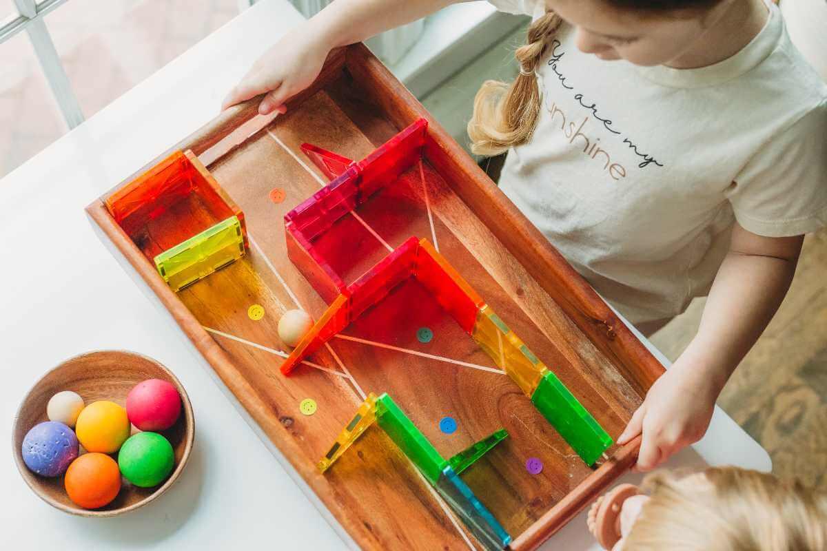 کودکان مهارت حل مسئله را از طریق بازی یاد می گیرند
